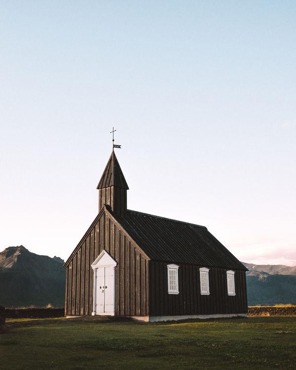 Баланс в служении христиан в доме и церкви